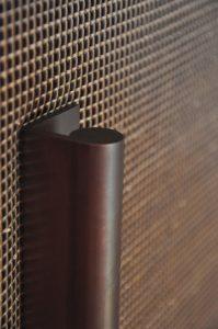 Qualité des matériaux, assemblage et ajustement rigoureux. La finition est parfaite.